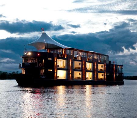 Hotelul plutitor 3