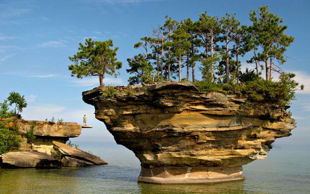 Turnip Rock Lacul Huron 6